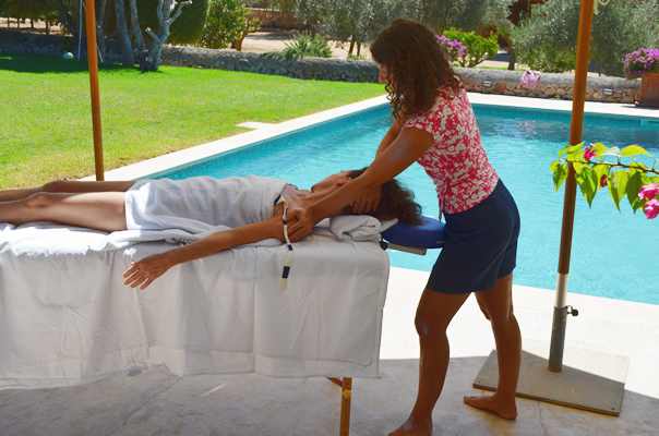 Mallorca Detox Yoga Retreat Basenfasten Massagen Akupressur